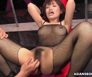 Yui Shimizu is moaning while..